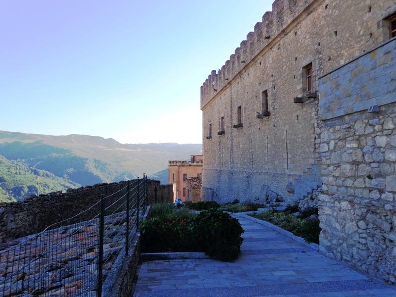 Montalbano Elicona Guide Turistiche Eolie Messina Taormina