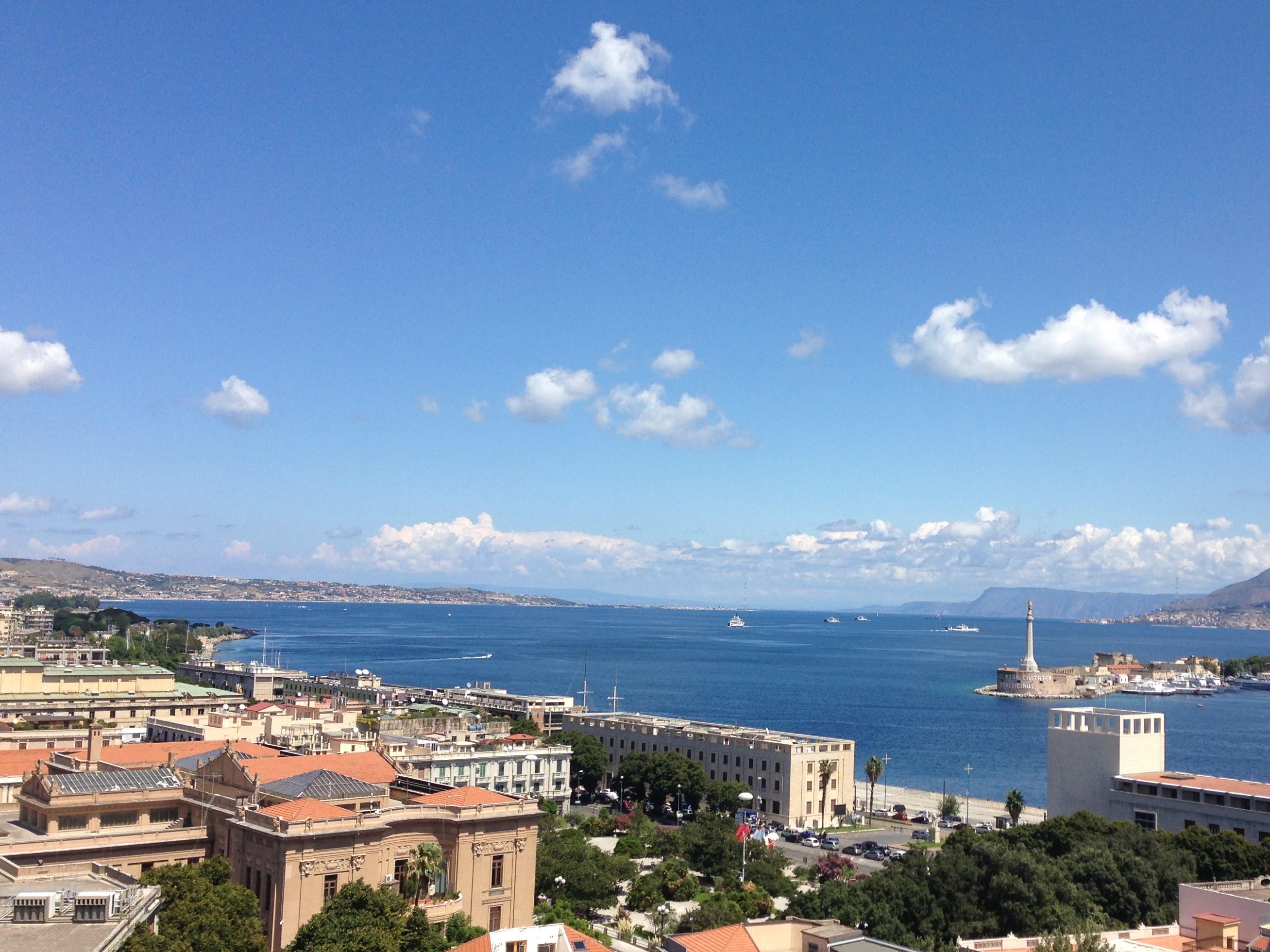 Lo Stretto di Messina e i traghetti